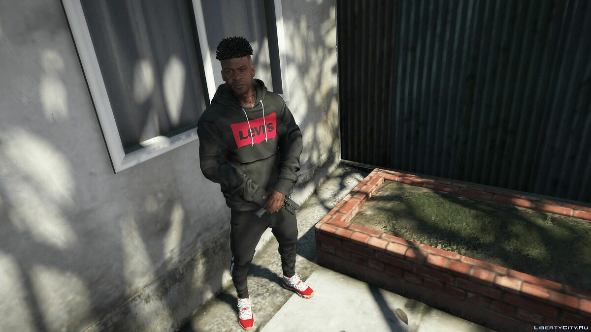 Pullovers and T-shirts Hoodie from the brand Levis for GTA 5