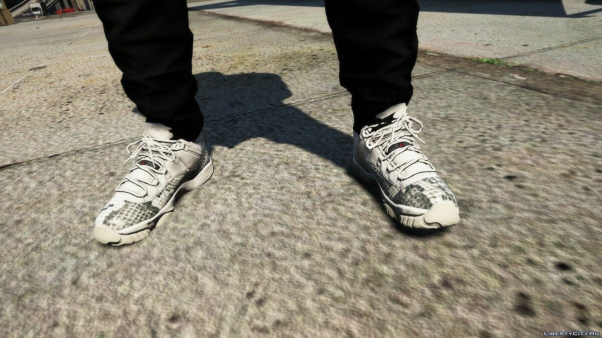 Boots Jordan 11 Low Snakeskin Light Bone for GTA 5