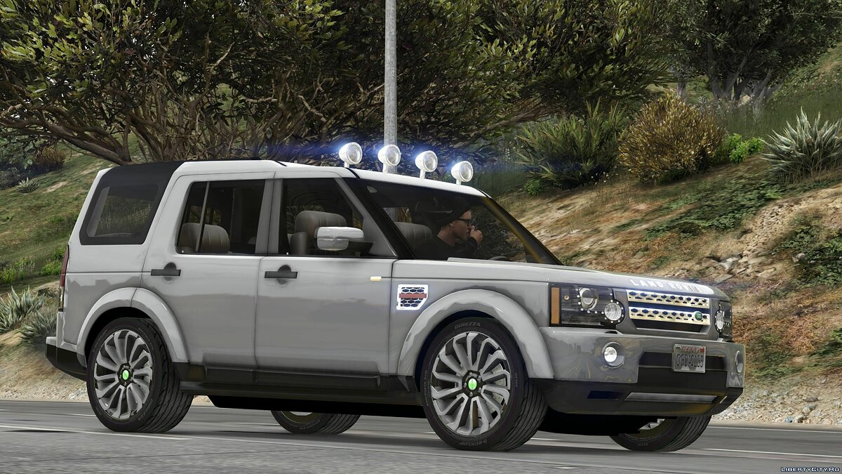 Land Rover car Land Rover Discovery 4 v3.0 for GTA 5
