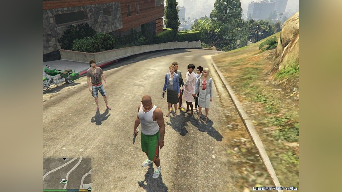 Spawn bodyguards for GTA 5 - screenshot #2
