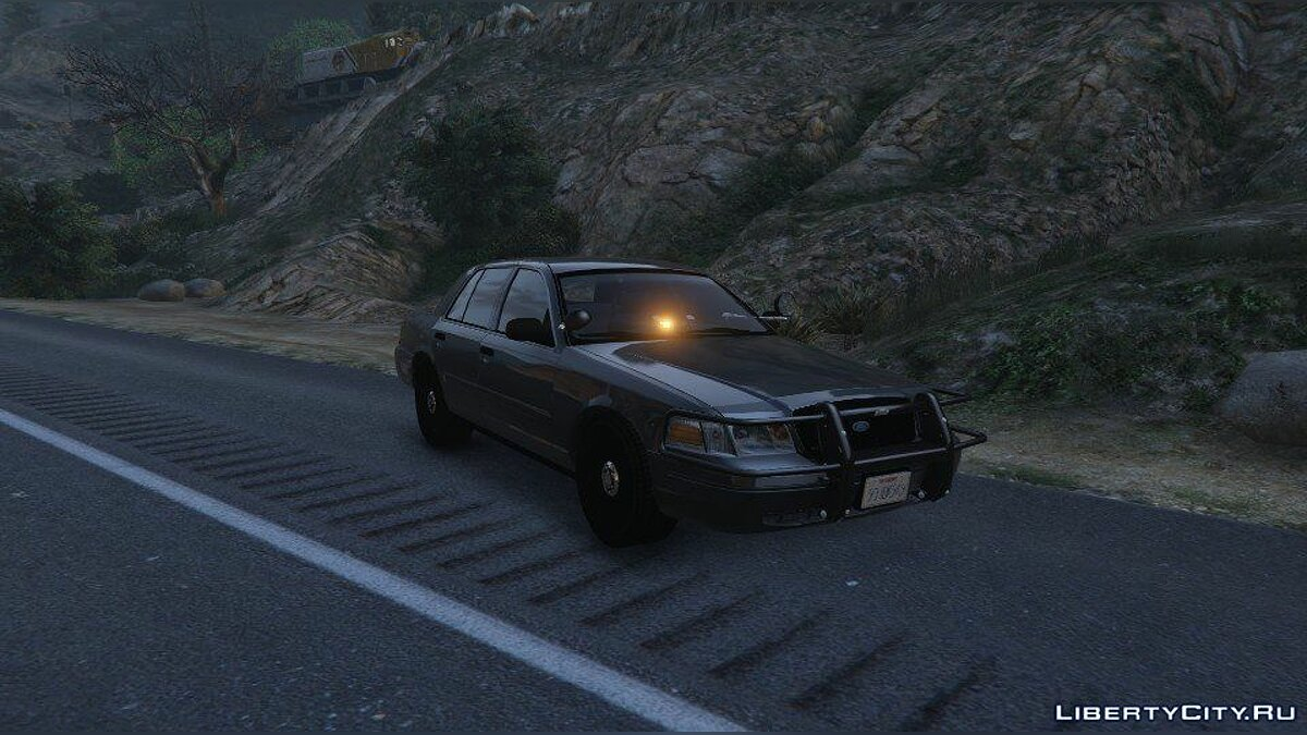 Police car [UNLOCKED] Stringer Crown Victoria with Yellow Lights 1.0a for GTA 5