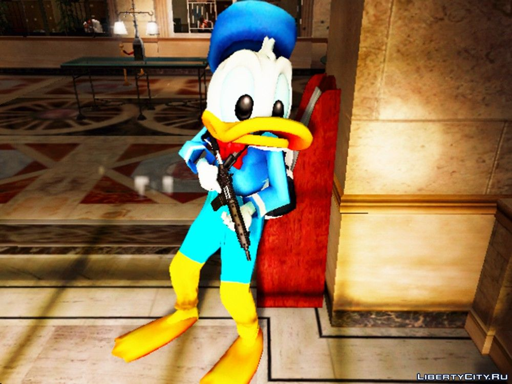 Pak clothes and masks of Donald Duck, Goofy and Mickey Mouse for the